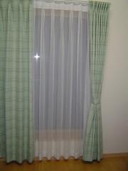 カーテンを綺麗にクリーニング.jpg