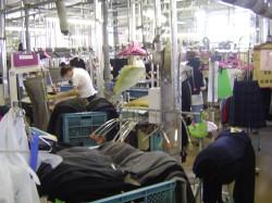 夏物衣類で工場は大忙しです.jpg
