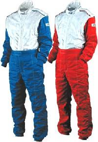F1 スーツ