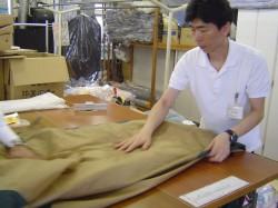 テント工場作業