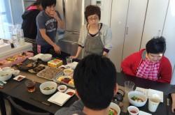 日本よ、これが元旦の正しい家族の過ごし方だ。