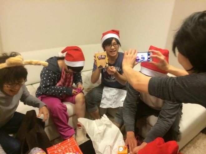 family 10人家族でクリスマスプレゼント交換をするとこうなった %tag
